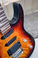 Cómo tomar la capa transparente de una guitarra