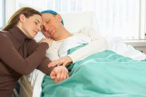 Cómo consolar a un amigo enfermo o familiar