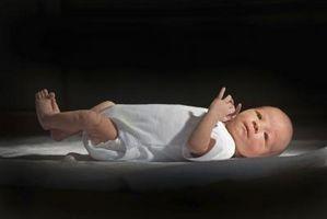 Cómo hacer un cabestrillo para la fotografía de recién nacido