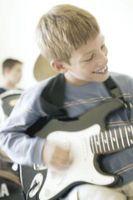 Cómo cambiar el golpeador de la guitarra en un Stratocaster
