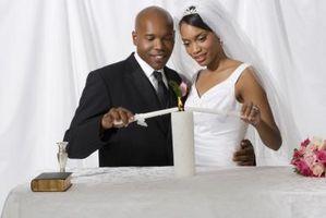 Los usos de una vela de la unidad en una ceremonia de boda