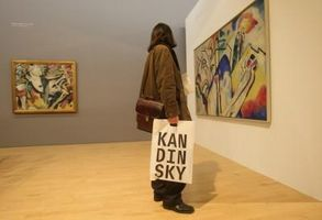 ¿Qué materiales utilizó para sus pinturas Wassily Kandinsky?