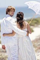 Cómo planear una boda barata pequeña por $1,000