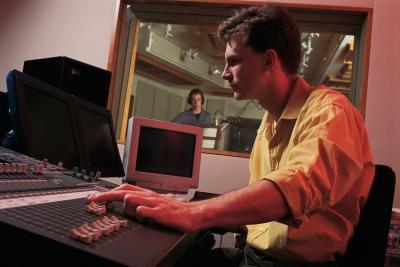Cómo ajustar micrófonos CAD