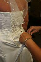 Cómo limpiar un vestido de novia lavando a mano