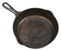 Cómo recoger utensilios de cocina de hierro fundido