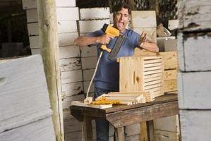 Debe tener herramientas para trabajar la madera