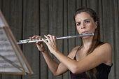 Cómo tocar la flauta con una postura adecuada