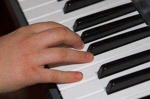 Cómo hacer ritmos con un teclado Yamaha