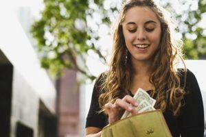 Cómo ayudar a los adolescentes para ahorrar dinero