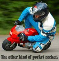 Cómo iniciar una moto cohete de bolsillo