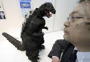 Cómo construir un telón de fondo para tus figuras de Godzilla