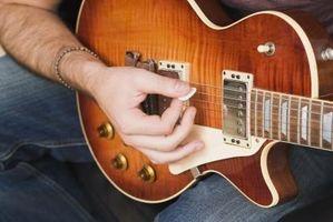 Cómo utilizar su Pinky para la guitarra