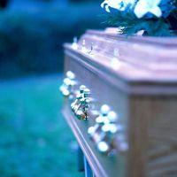 Ayuda para pagar un entierro con seguro de No