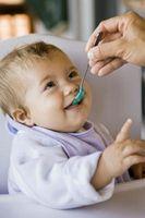 Consejos para obtener un bebé a abrir la boca más ancha
