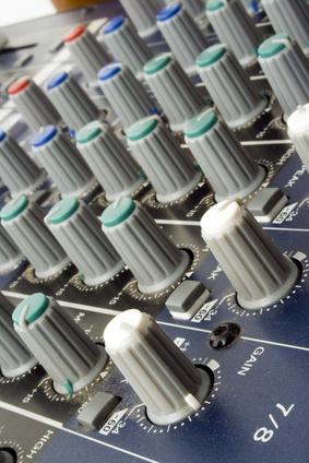 Cómo conectar un mezclador, preamplificador de tubo y compresor