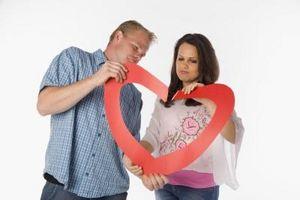 Cómo ayudar a un novio por un divorcio