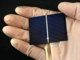 Cómo conectar un Panel Solar a un Motor de la C.C. 3V