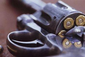 Cómo desmontar un revólver Colt