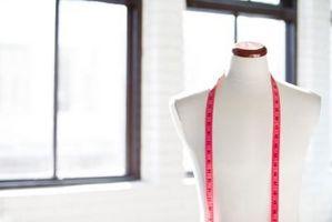 Juguetes de las niñas que tienen que hacer con el diseño de ropa