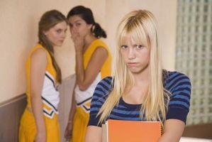 Adolescentes Bullying entre niñas en la escuela secundaria