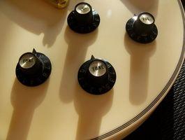 Cómo cambiar a condensadores de Les Paul