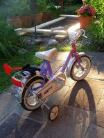 Cómo determinar qué tamaño de bicicleta comprar un niño