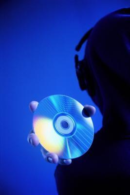 Cómo obtener el permiso para cantar alguien de otra canción en un CD de corte