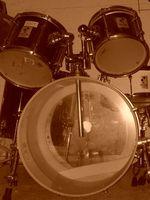 Cómo jugar un ritmo sincopado de tambores