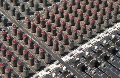 Cómo conectar tres amplificadores a una guitarra