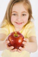 Enseñar a los niños a dar sin recompensa