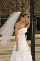 Cómo coser un sujetador en un vestido de novia