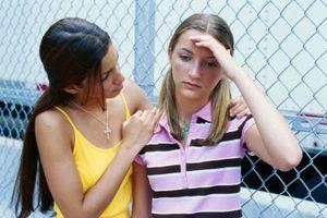 Educación gratuita y ayuda para los adolescentes en problemas