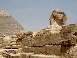 ¿Qué materiales fueron utilizados en la fabricación de hachas de batalla egipcio antiguo?