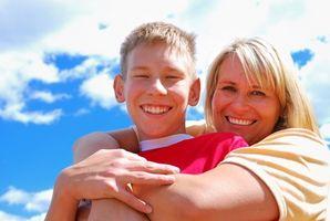 Cómo fortalecer la parte superior del cuerpo de un niño