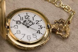 Cómo identificar casos de reloj de oro de 14 quilates