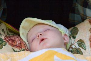 La importancia de un bebé dormir en la noche y día no