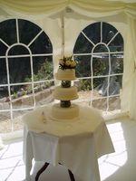 Panadería lista para un pastel de boda