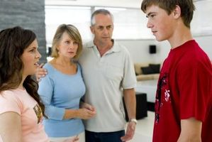 Cómo decirle a tus padres estás citas un chico que no les gusta